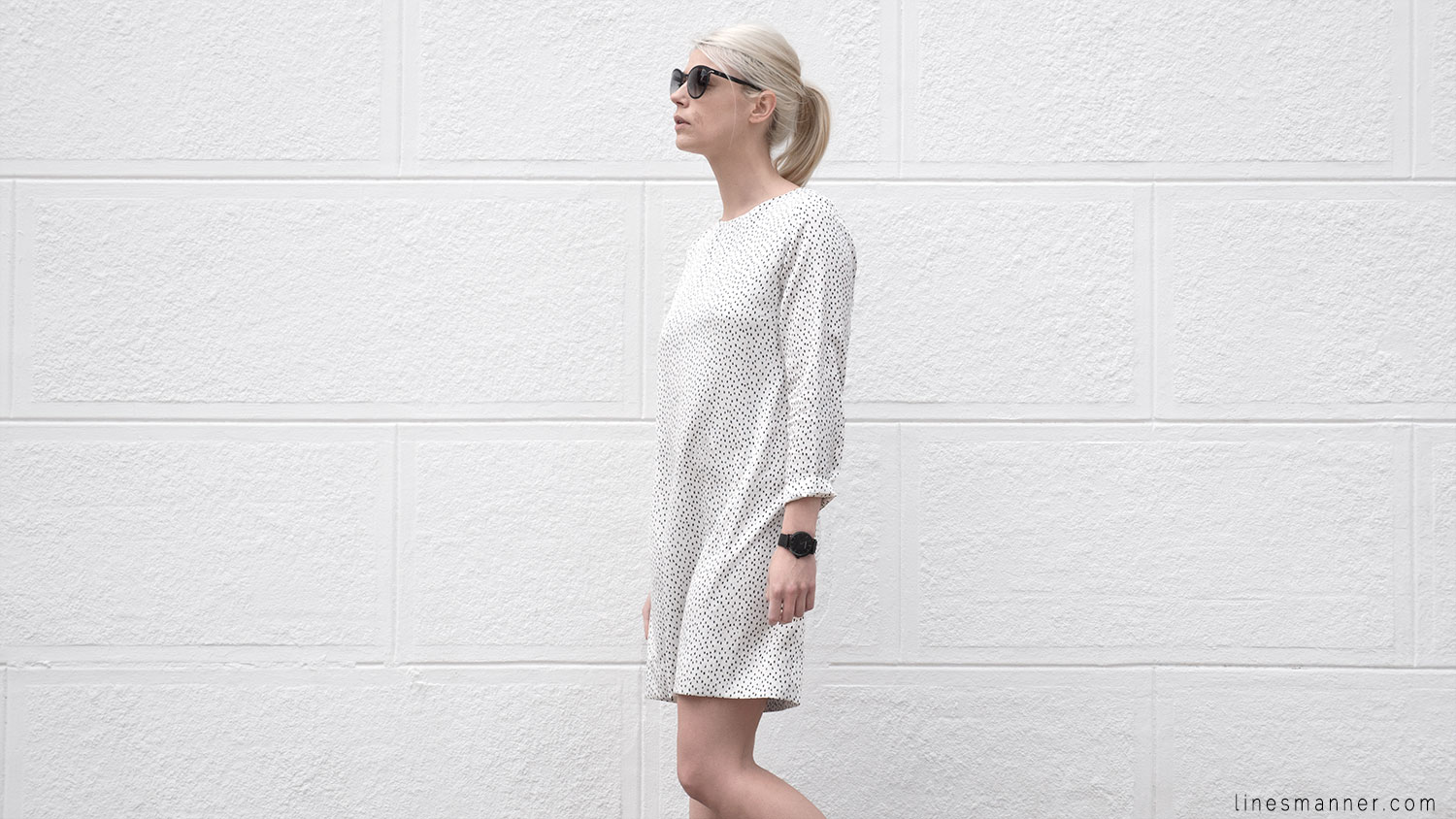 Lines-Manner-Minimal-Oldies-Dress-Sandro-Timeless-Design-Black_and_White-Details-Simplicity-Essential-Summer-Print-Quality-Wardrobe-5