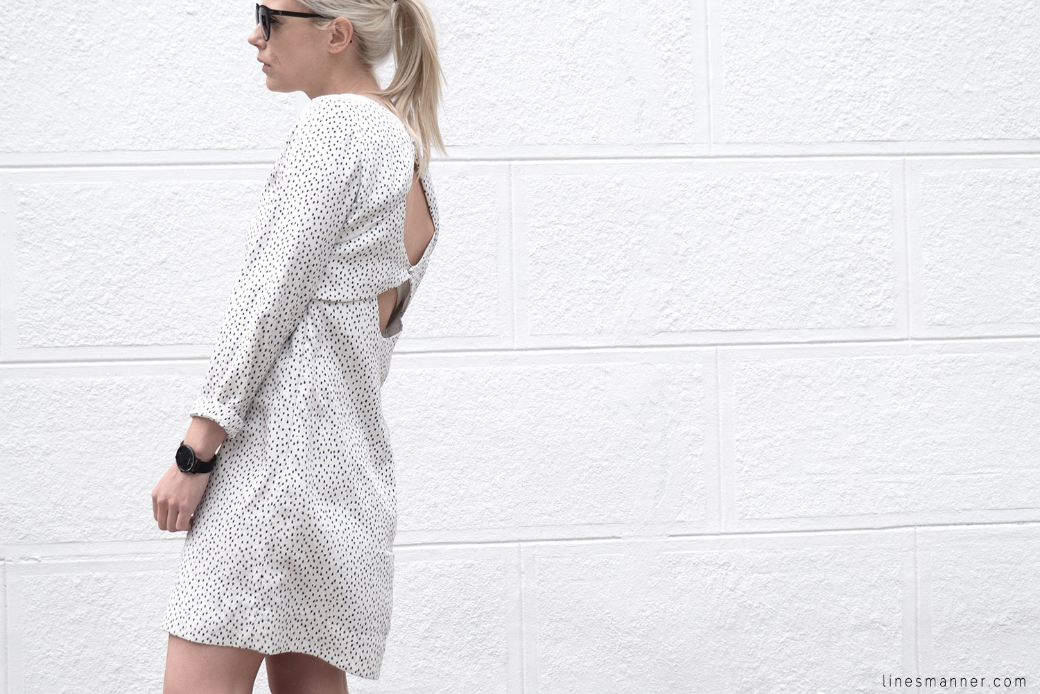 Lines-Manner-Minimal-Oldies-Dress-Sandro-Timeless-Design-Black_and_White-Details-Simplicity-Essential-Summer-Print-Quality-Wardrobe-6