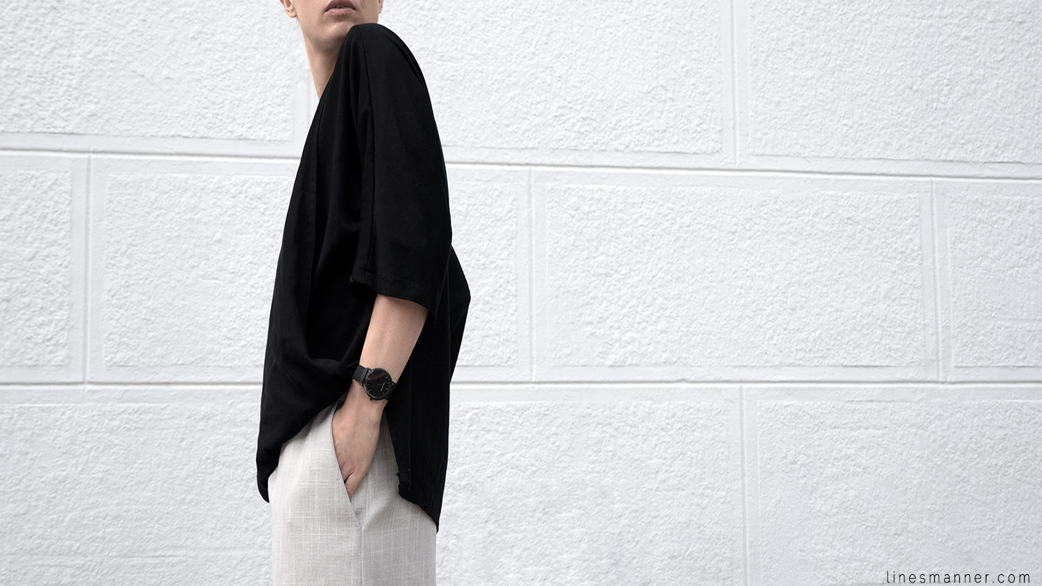 Lines-Manner-Modern-Minimal-Effortless-Casual-Wide_Leg_Culotte-Coidlyn_Wight-Draped-Coton-Linen-Sustainable-Slow_Fashion-Neutrals-Structure-Volume-Fluid-Simplicity-Details-4