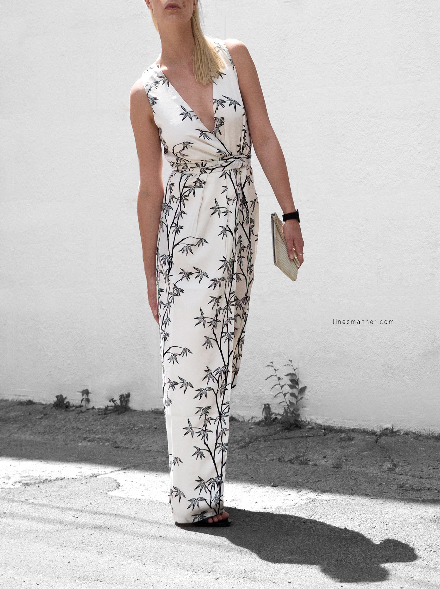 Lines-Manner-Minimal-Simplicity-Essentials-Bon_Label-Neon_Rose_Print-Bamboo-Slit_Dress-Wrap_Dress-Maxi_Dress-Fesh-Black_and_White-Casual-Elegant-Bright-Monochrome-18
