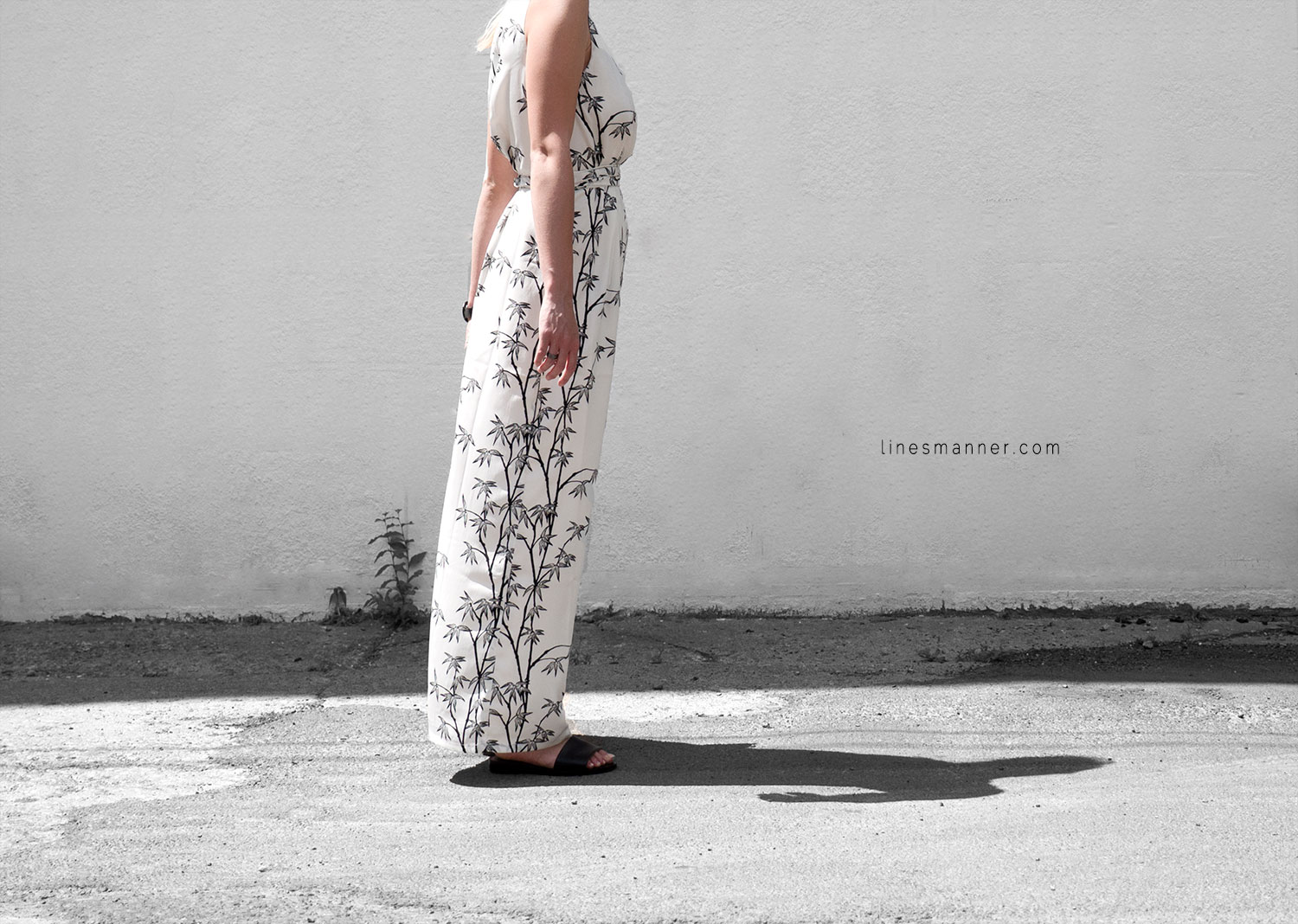 Lines-Manner-Minimal-Simplicity-Essentials-Bon_Label-Neon_Rose_Print-Bamboo-Slit_Dress-Wrap_Dress-Maxi_Dress-Fesh-Black_and_White-Casual-Elegant-Bright-Monochrome-17