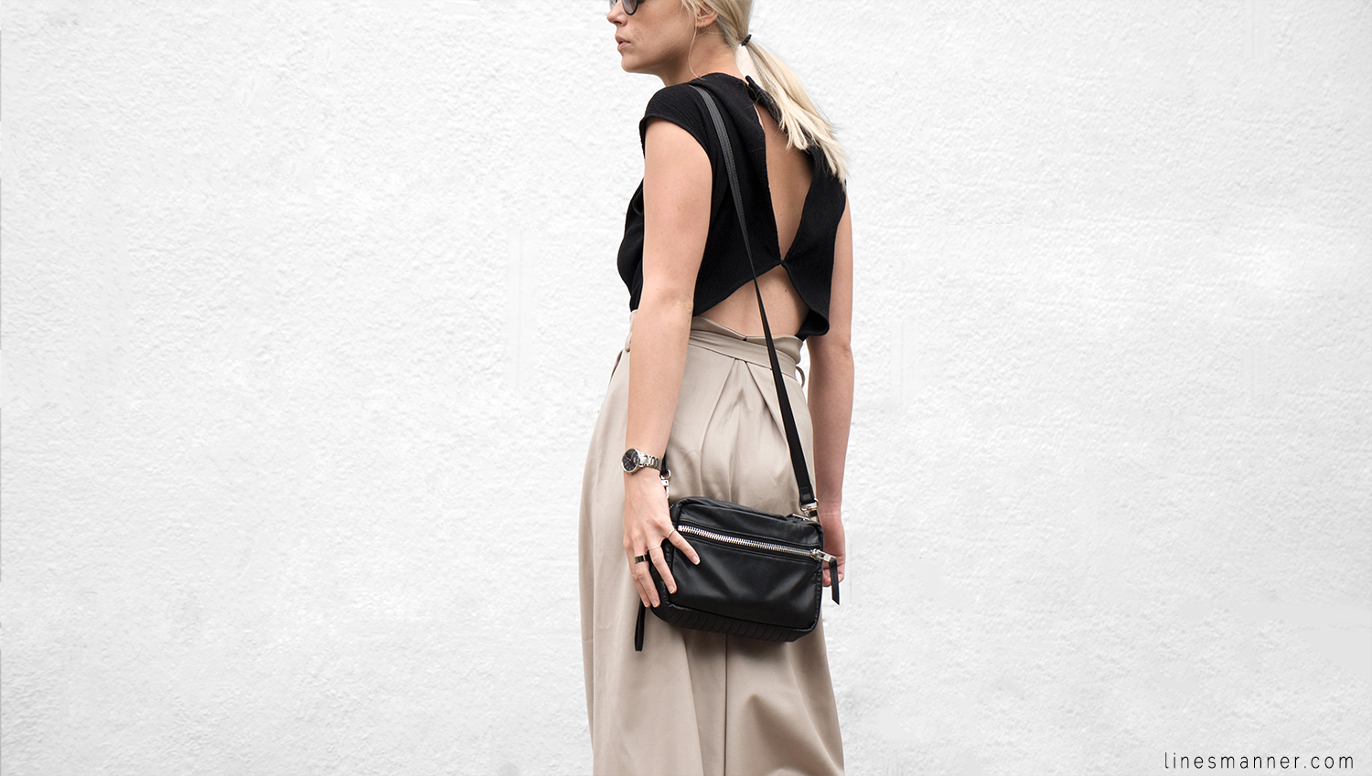 Lines-Manner-Neutrals-Quality-Lora_Gene-Wide_Leg_Pant-Modern-Sophistication-Tailored-Essentials-Details-Simplicity-Summer_vibes-Volume-Proportion-Flowy-5