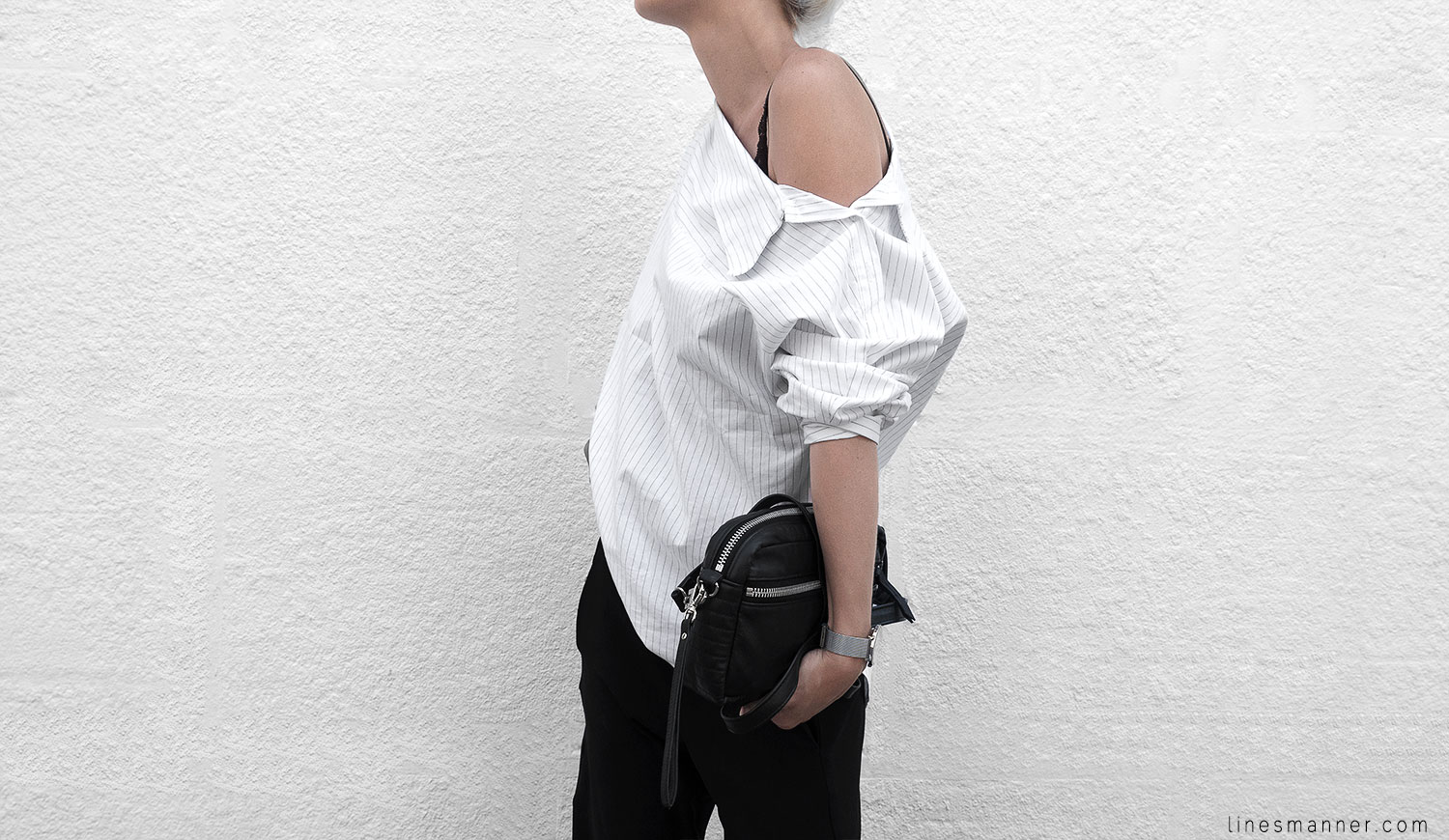 Lines-Manner-Simplicity-Off_shoulder-Monochrome-Noway_Monday-Details-Edgy6Backward-Sleek Statement_piece-Pinstripe-Business-Shirt-Minimal-Essentials-Outfit-Fashion-Minimal_fashion-Slides-Everlane-7