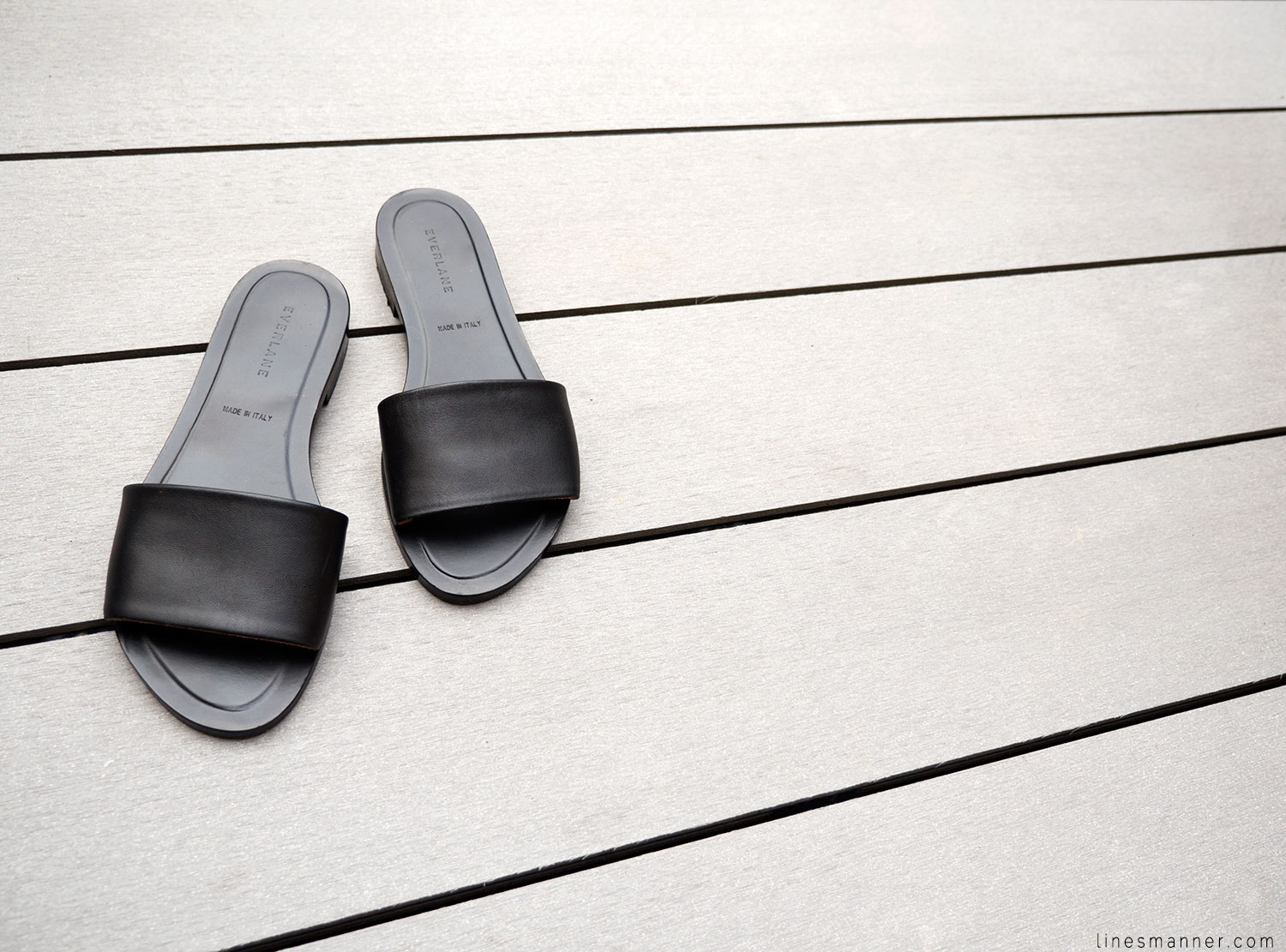 Lines-Manner-Summer-Shoes-Slides-Black-Leather-Minimal-Off_Duty-Senso_Everlane-Birkenstock-Essentials-Situation-5