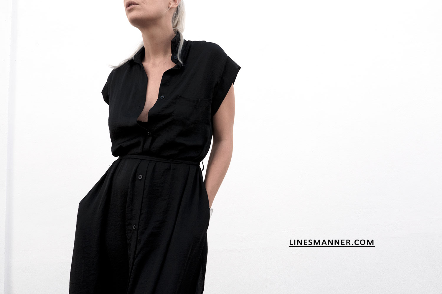 Lines-Manner-All_Black_Everything_Black-MVN-Minimal-Details-Shirt-Dress-Mules-Statement_Piece-Essentials-Throw_On_Piece-21
