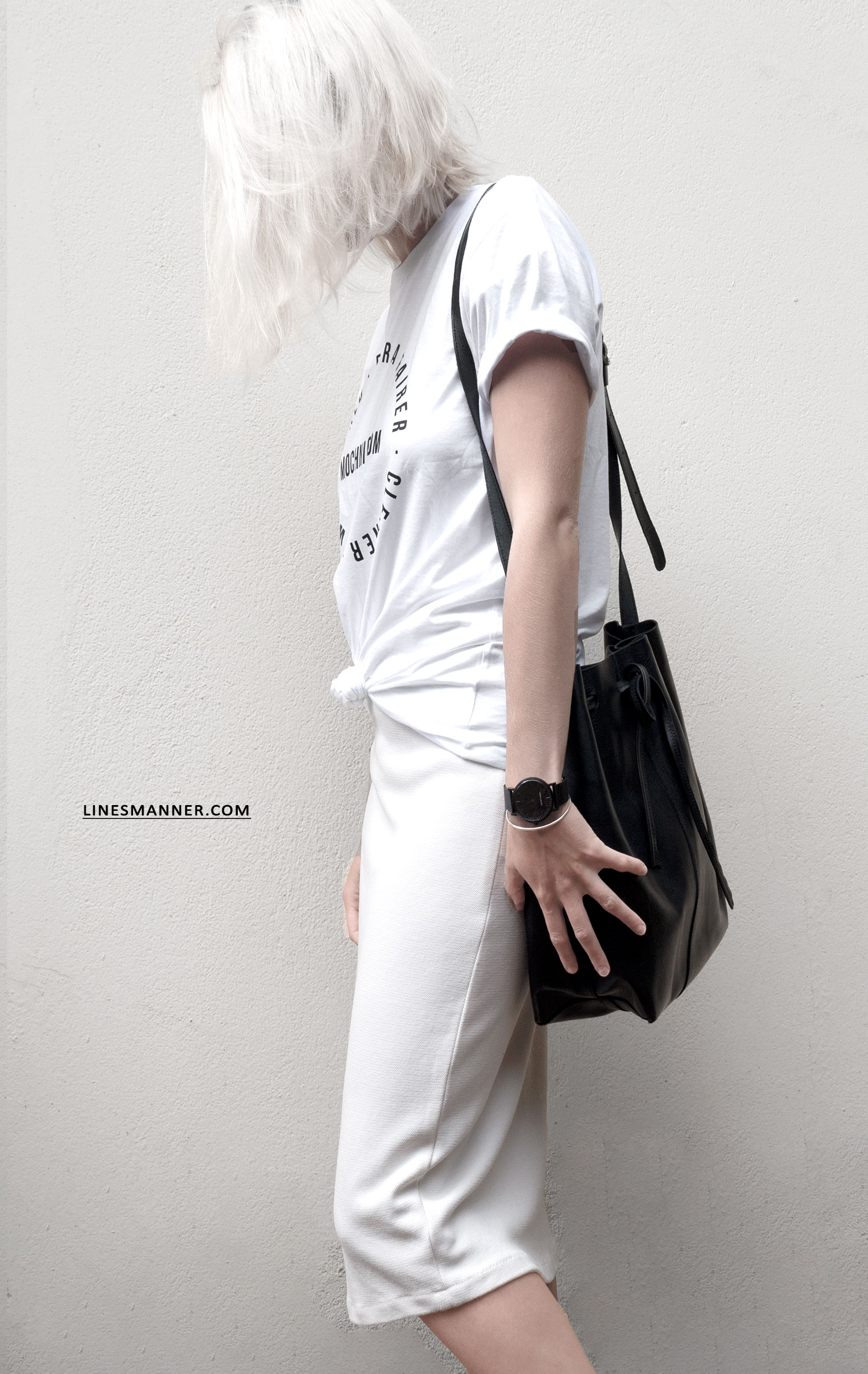 Lines-Manner-Mochni-Slow_Fashion_Plateform-Sustainable-Eco_Fashion-Awareness-Tee-Fairer-World-Conscious-Essentials-Minimal-Monochrome-Quality-Organic-10