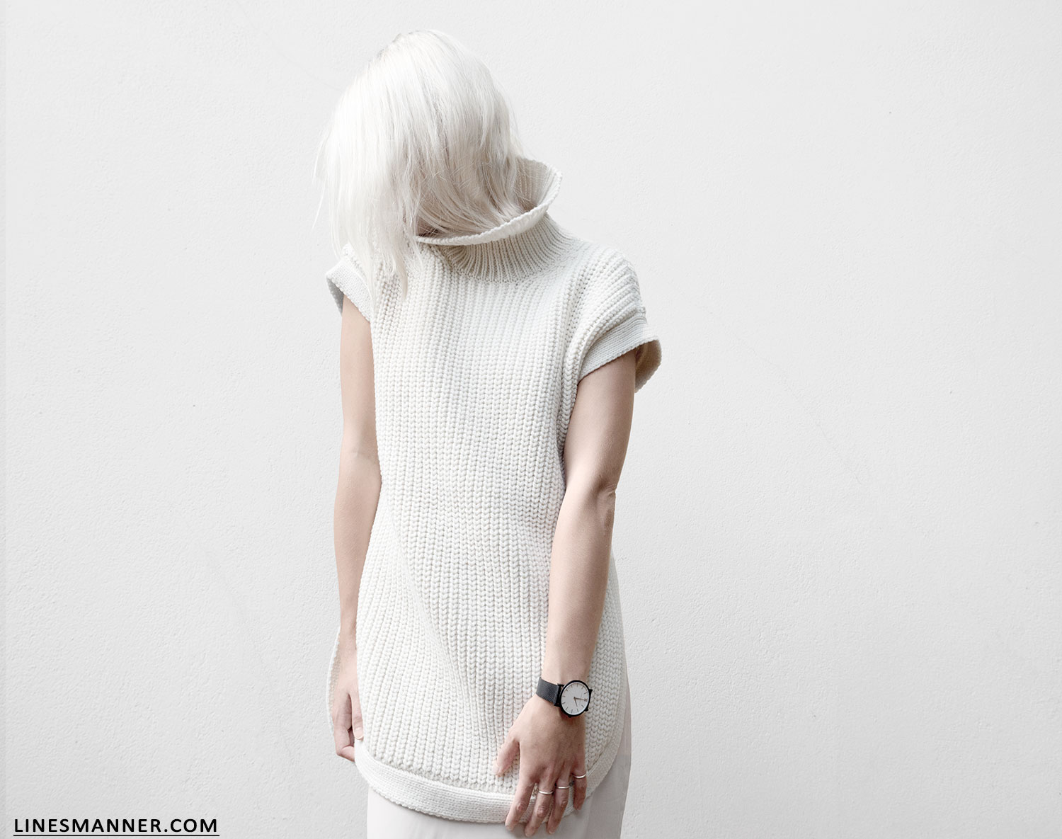 Lines-Manner-Sleeveless-Clean-Minimal-Effortless-Neutrals-Whiteout-Details-Essential-Staple-Statement_Piece-Knit-Sweater-Turtleneck-Trans_Seasonal-Larsson_And_Jennings-Warm-2