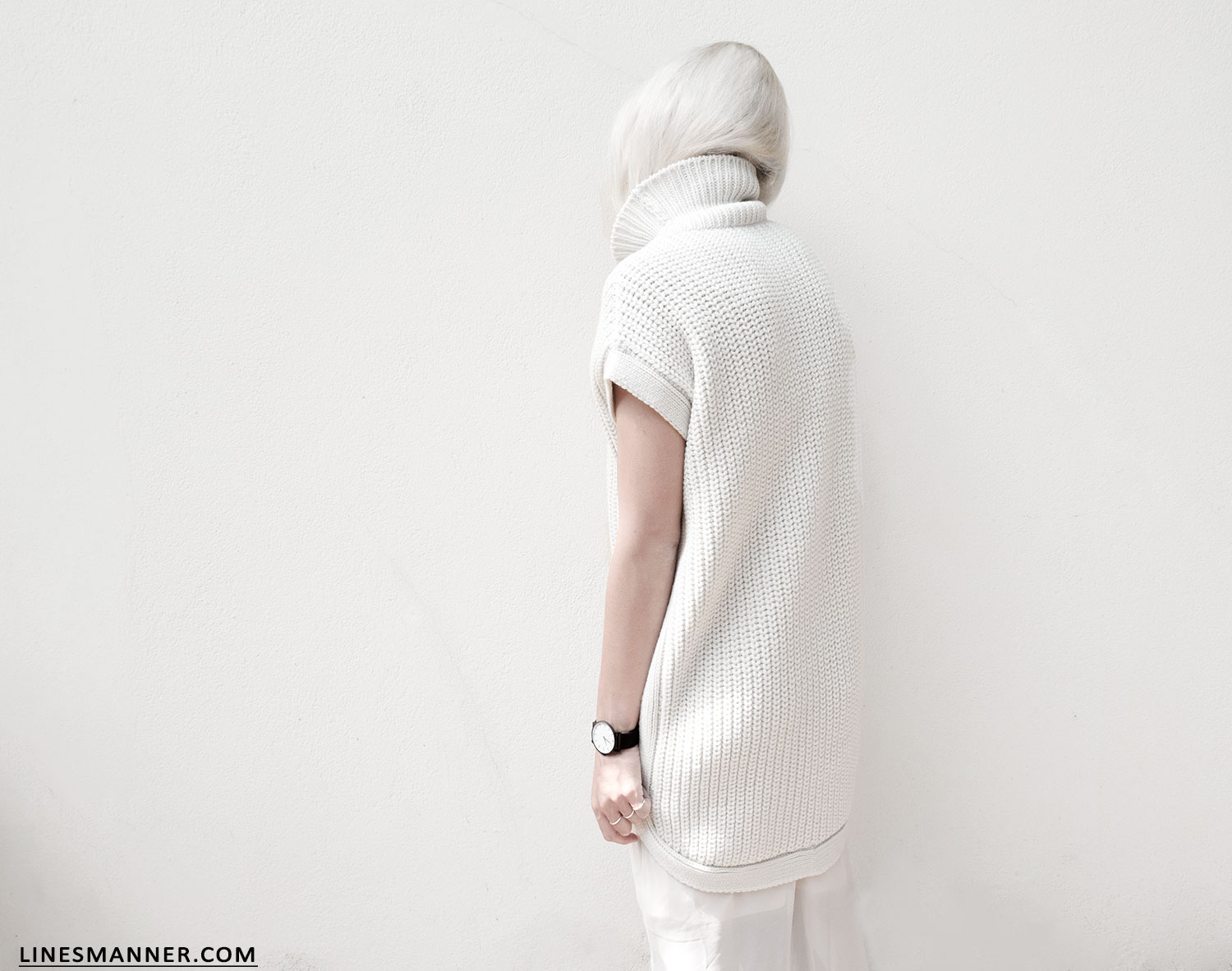 Lines-Manner-Sleeveless-Clean-Minimal-Effortless-Neutrals-Whiteout-Details-Essential-Staple-Statement_Piece-Knit-Sweater-Turtleneck-Trans_Seasonal-Larsson_And_Jennings-Warm-4