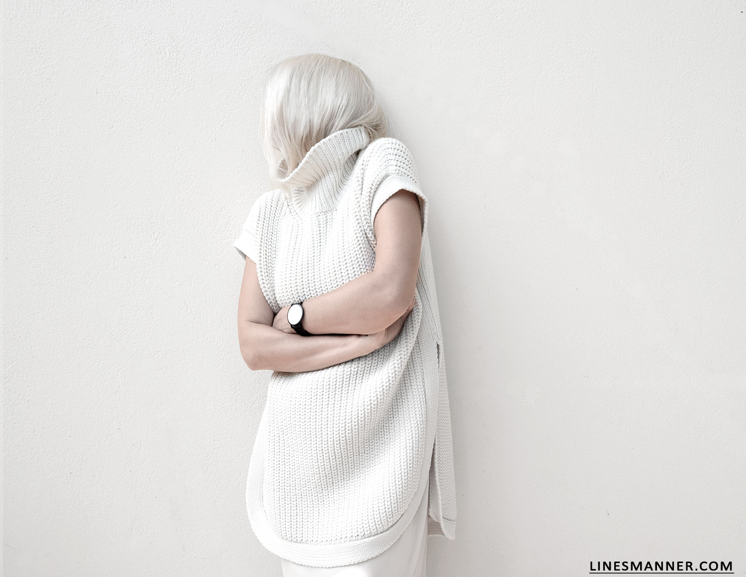 Lines-Manner-Sleeveless-Clean-Minimal-Effortless-Neutrals-Whiteout-Details-Essential-Staple-Statement_Piece-Knit-Sweater-Turtleneck-Trans_Seasonal-Larsson_And_Jennings-Warm-1
