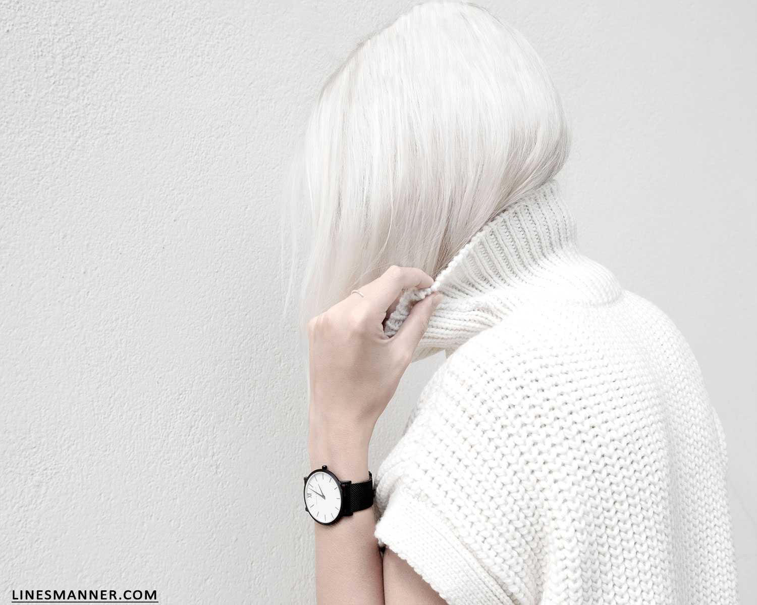 Lines-Manner-Sleeveless-Clean-Minimal-Effortless-Neutrals-Whiteout-Details-Essential-Staple-Statement_Piece-Knit-Sweater-Turtleneck-Trans_Seasonal-Larsson_And_Jennings-Warm-8