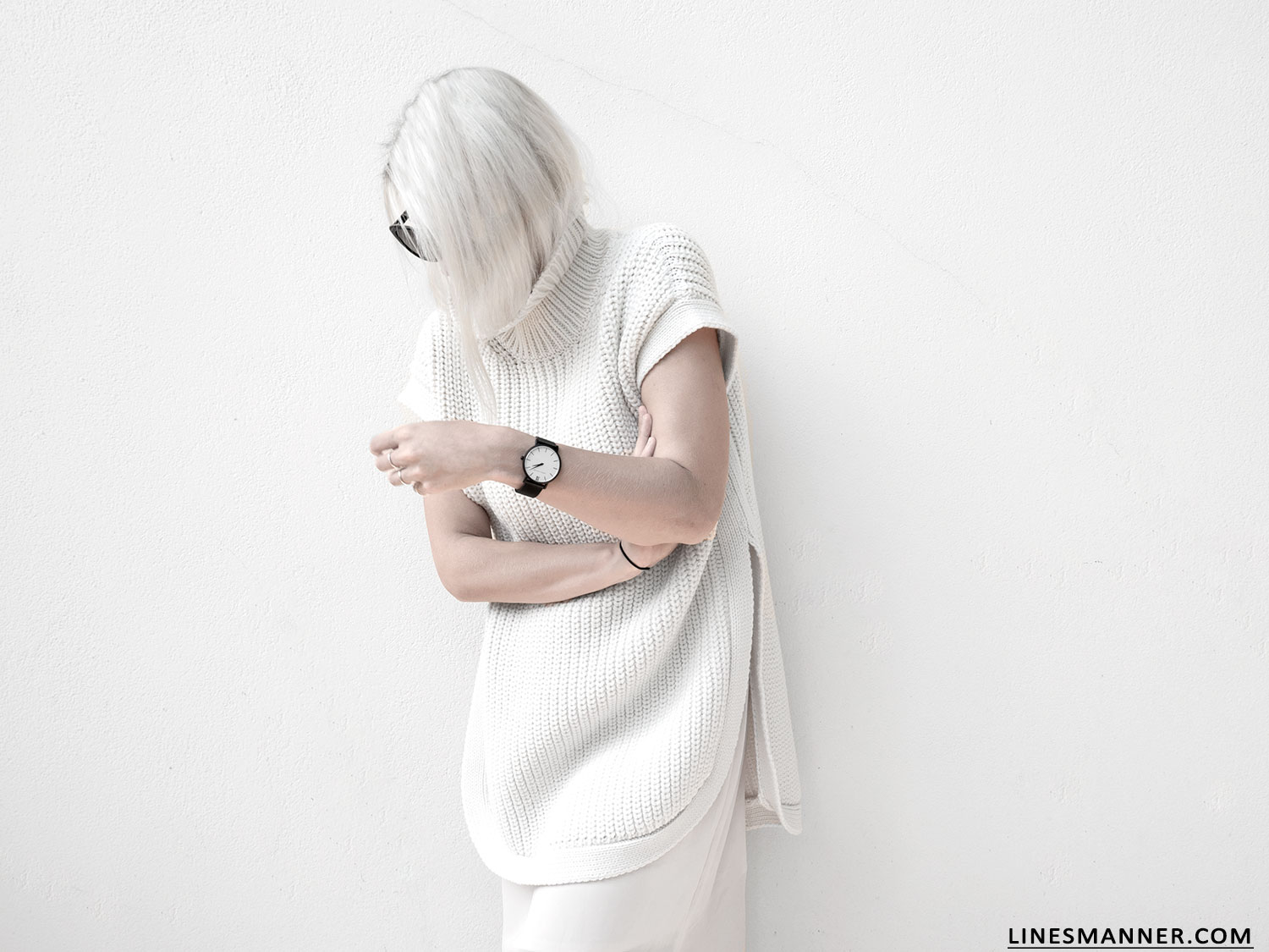 Lines-Manner-Sleeveless-Clean-Minimal-Effortless-Neutrals-Whiteout-Details-Essential-Staple-Statement_Piece-Knit-Sweater-Turtleneck-Trans_Seasonal-Larsson_And_Jennings-Warm-5