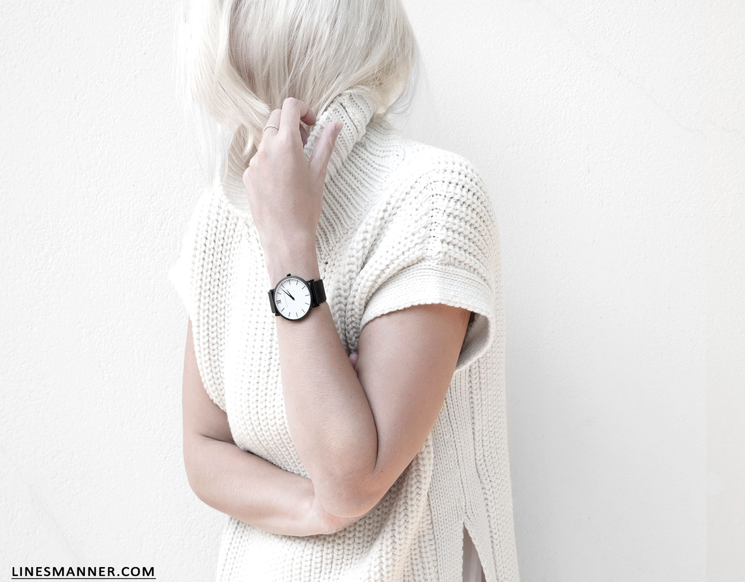 Lines-Manner-Sleeveless-Clean-Minimal-Effortless-Neutrals-Whiteout-Details-Essential-Staple-Statement_Piece-Knit-Sweater-Turtleneck-Trans_Seasonal-Larsson_And_Jennings-Warm-6
