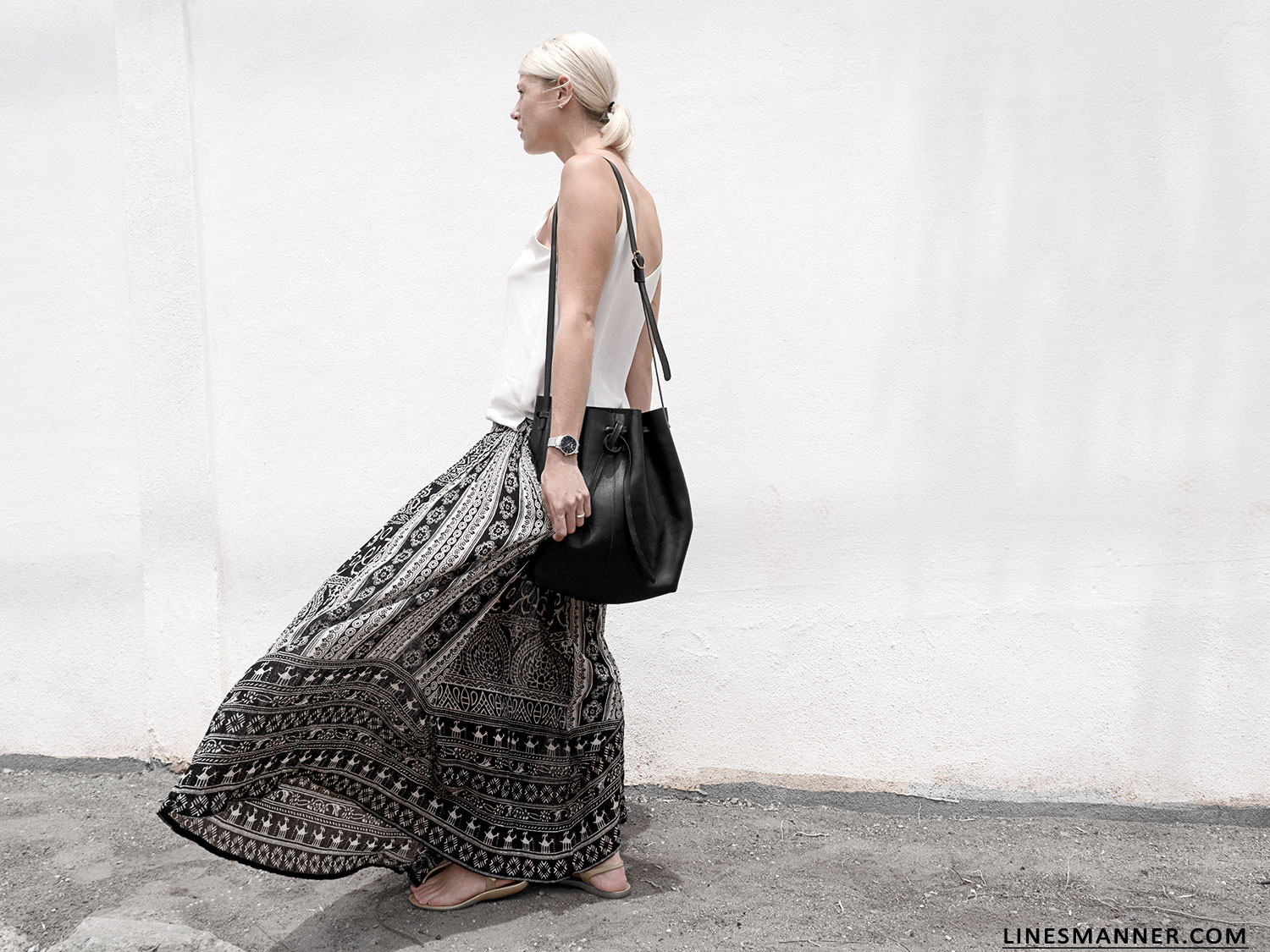 Lines-Manner-Tribal-Monochrome-Airy-Prints-Printed-Black_and_White-MVN-Details-Modern-1