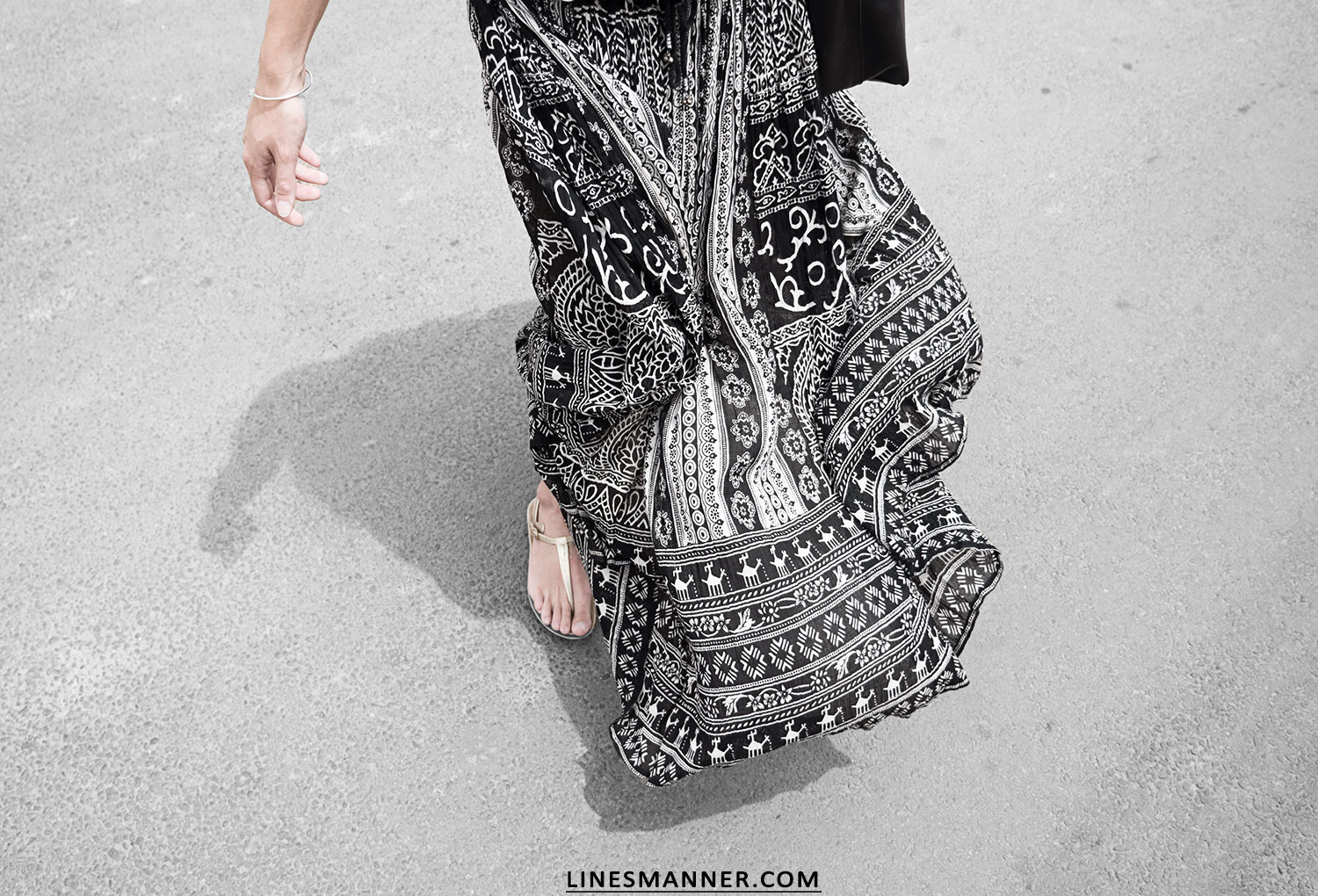 Lines-Manner-Tribal-Monochrome-Airy-Prints-Printed-Black_and_White-MVN-Details-Modern-9