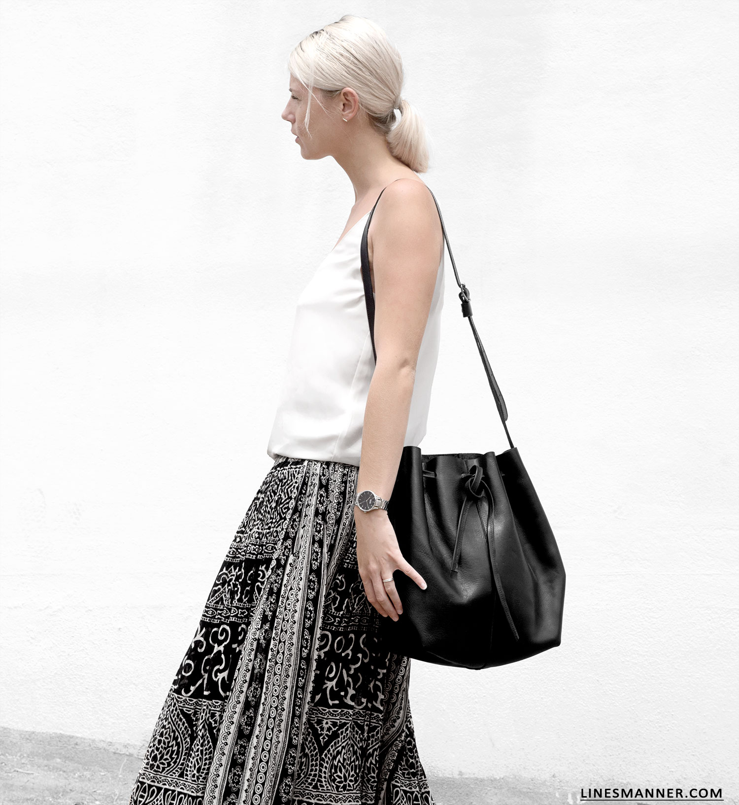 Lines-Manner-Tribal-Monochrome-Airy-Prints-Printed-Black_and_White-MVN-Details-Modern-2