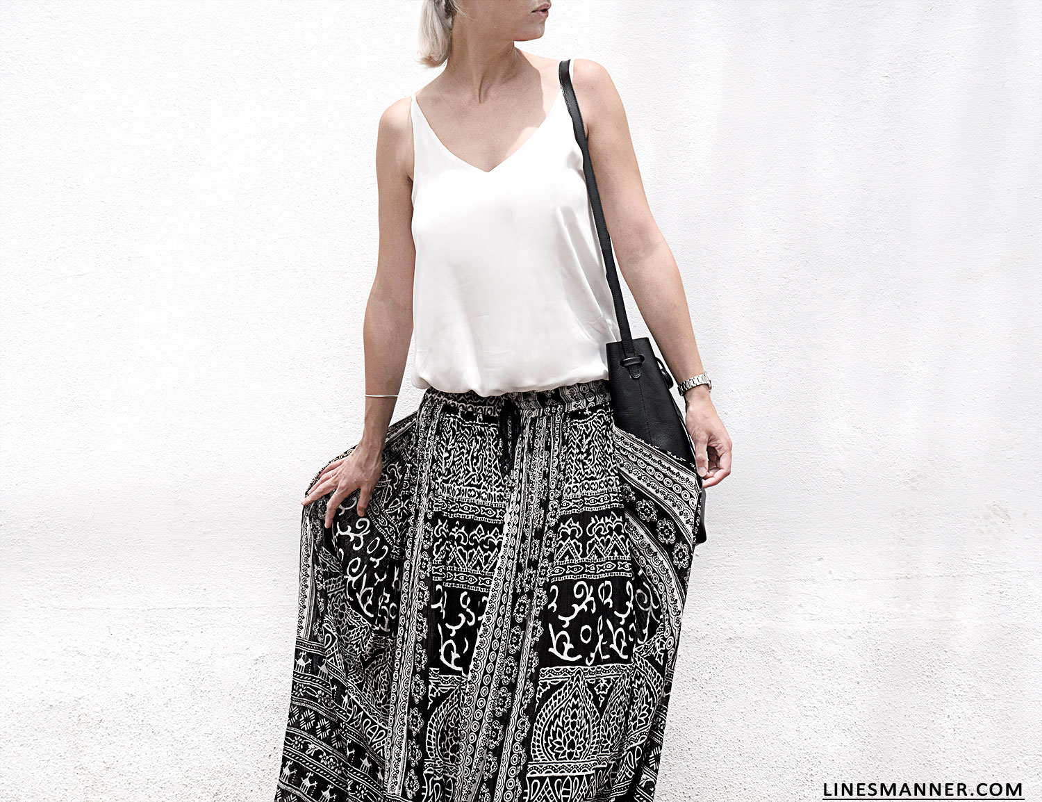 Lines-Manner-Tribal-Monochrome-Airy-Prints-Printed-Black_and_White-MVN-Details-Modern-3