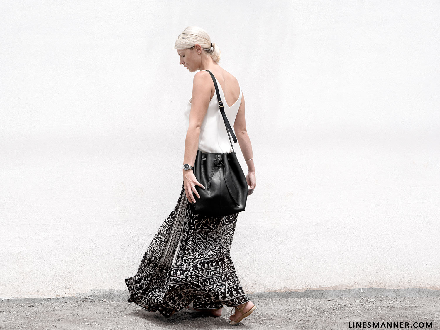 Lines-Manner-Tribal-Monochrome-Airy-Prints-Printed-Black_and_White-MVN-Details-Modern-14