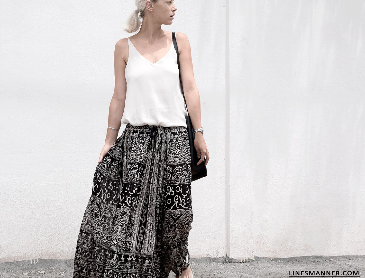 Lines-Manner-Tribal-Monochrome-Airy-Prints-Printed-Black_and_White-MVN-Details-Modern-12