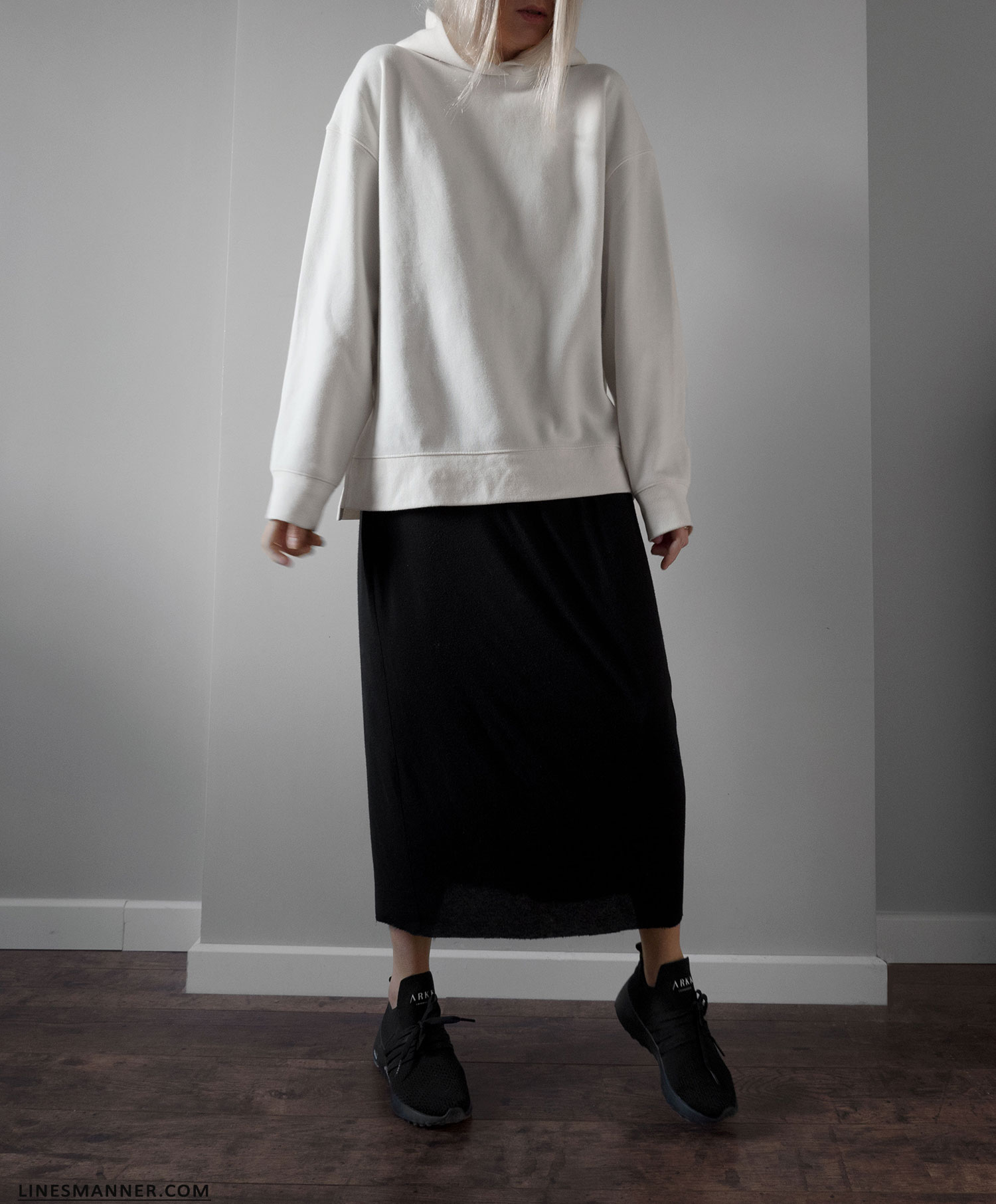 Lines_Manner-Hoodie-Minimal_Outfit-Maxi_Dress-Layering-Effortless-Sporty_Chic-Quality-Uniqlo-2