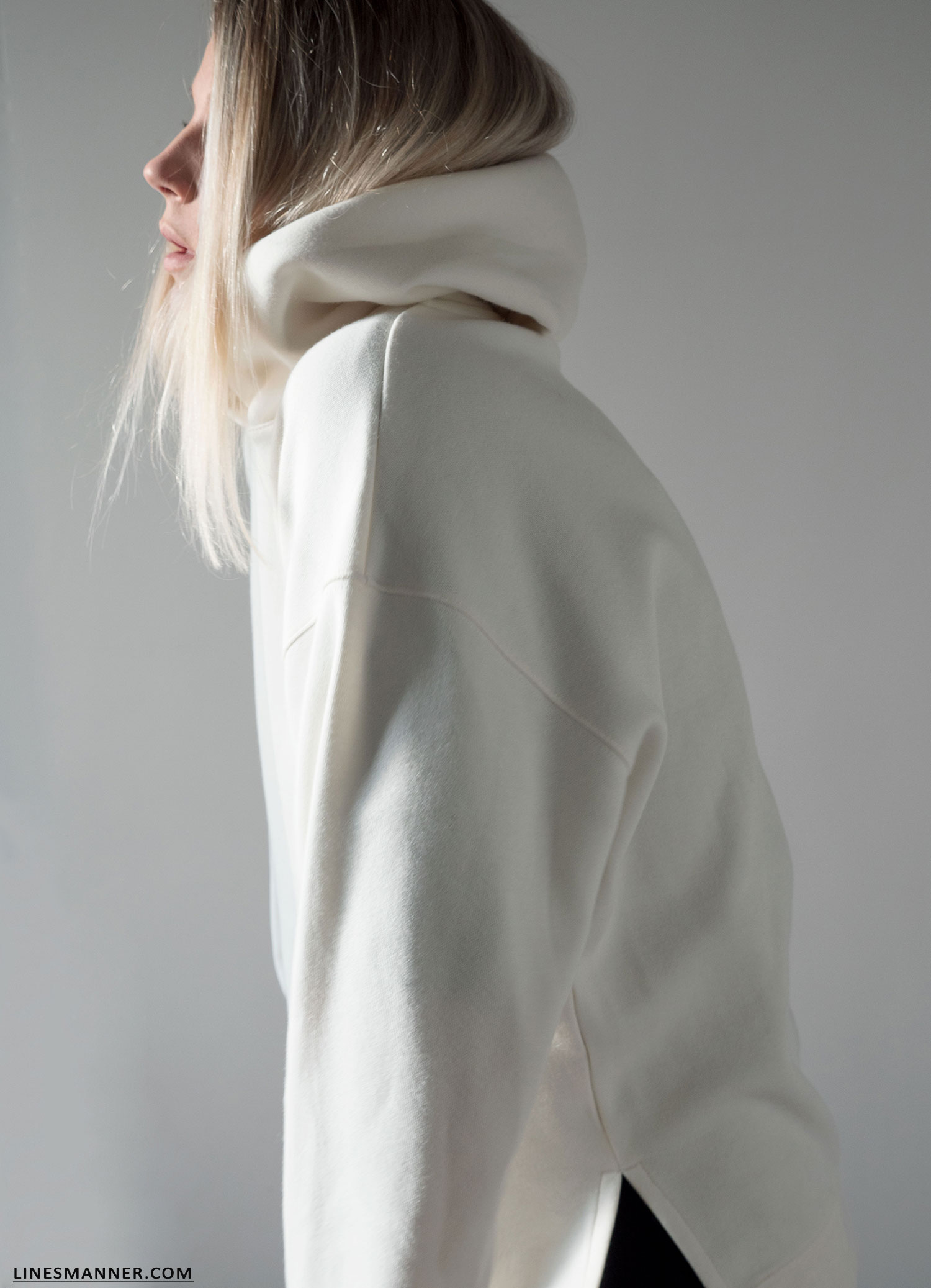 Lines_Manner-Hoodie-Minimal_Outfit-Maxi_Dress-Layering-Effortless-Sporty_Chic-Quality-Uniqlo-3
